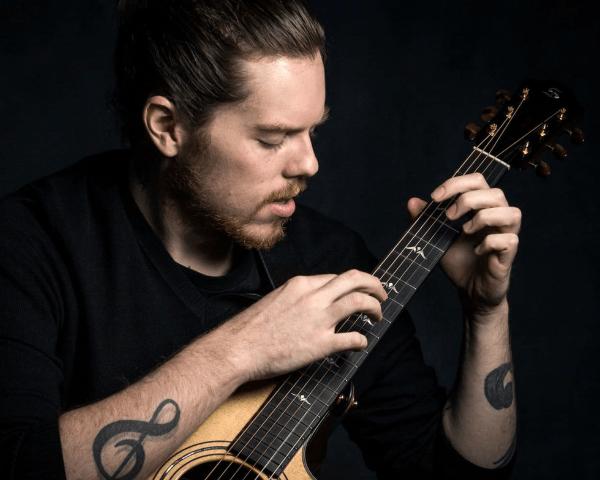 Fingerstyle Guitar Summit - Adrian Bellue